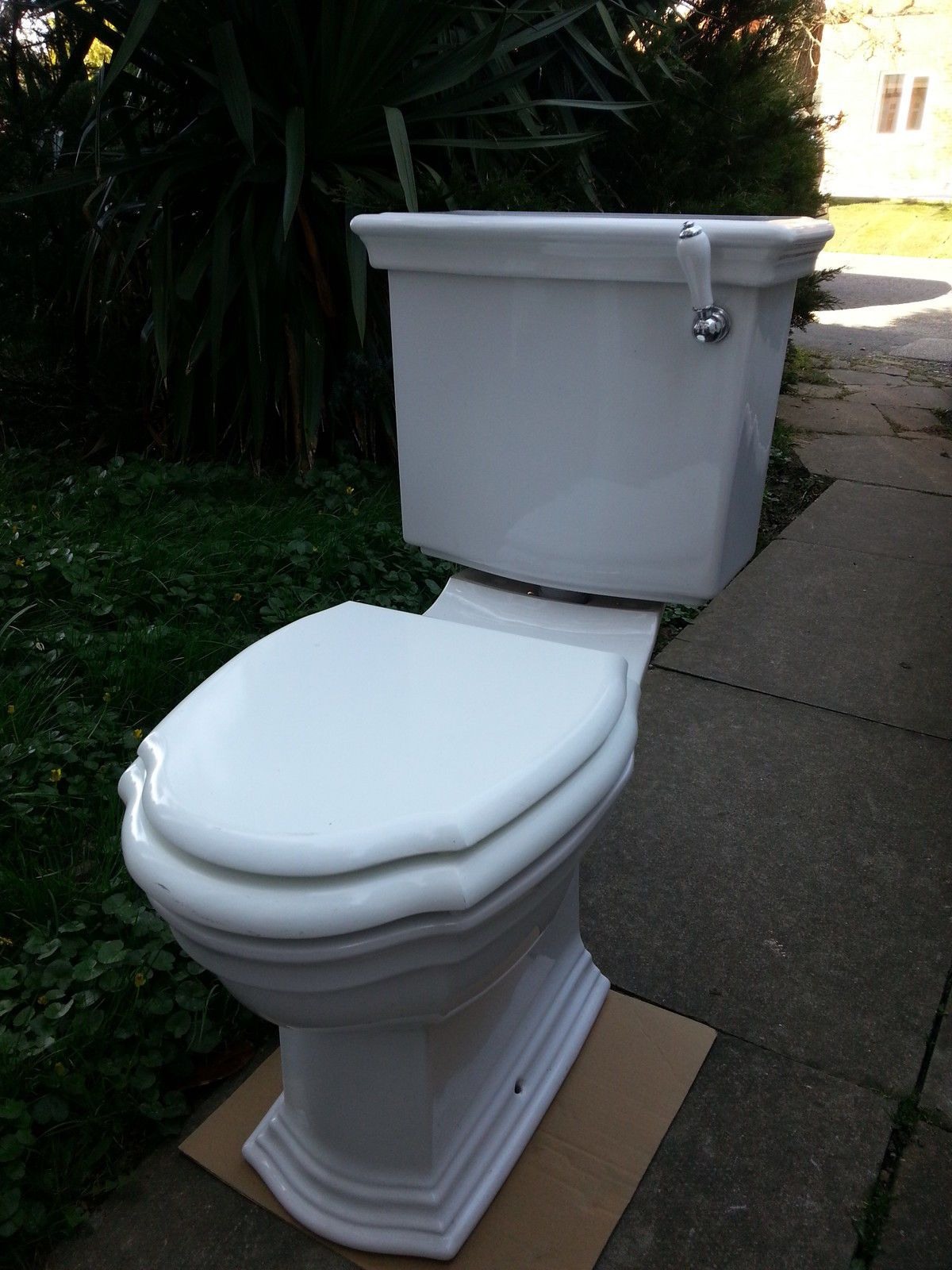 THE IMPERIAL BATHROOM COMPANY WC Close Coupled Toilet Cistern & Soft ...