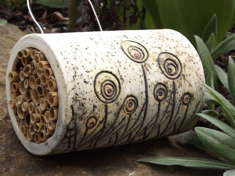 elfen haus keramik unikat bienen insektenhotel neu von. Black Bedroom Furniture Sets. Home Design Ideas