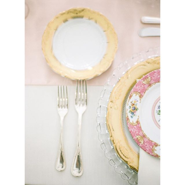 Thinking about all the pretty things! Picking out the perfect place setting for your wedding decor can make such an impact! It's all in the details.   #wedding #bride #pittsburgh #pittsburghwedding #pittsburghweddingphotographer #destinationphotographer #pghwedding #weddingday #burghbride #krystalhealyphotography #weddingdishes