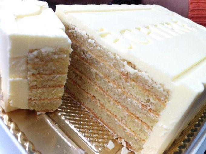 クリームの半分が最高級エシレバター!濃厚生バターケーキ ...