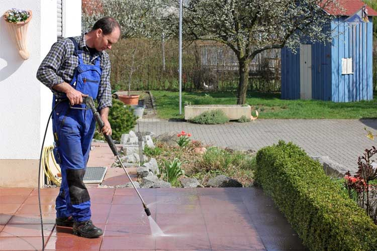 How To Pressure Wash A Driveway Like A Pro In 2020 Pressure Washing Services Pressure Washing House Wash