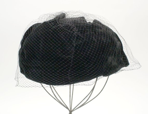 95f85c252f0 Vintage 1950s Womens Pleated Black Velvet Hat   Ladies Pill Box Hat with  Black Lace Face Veil - Mour