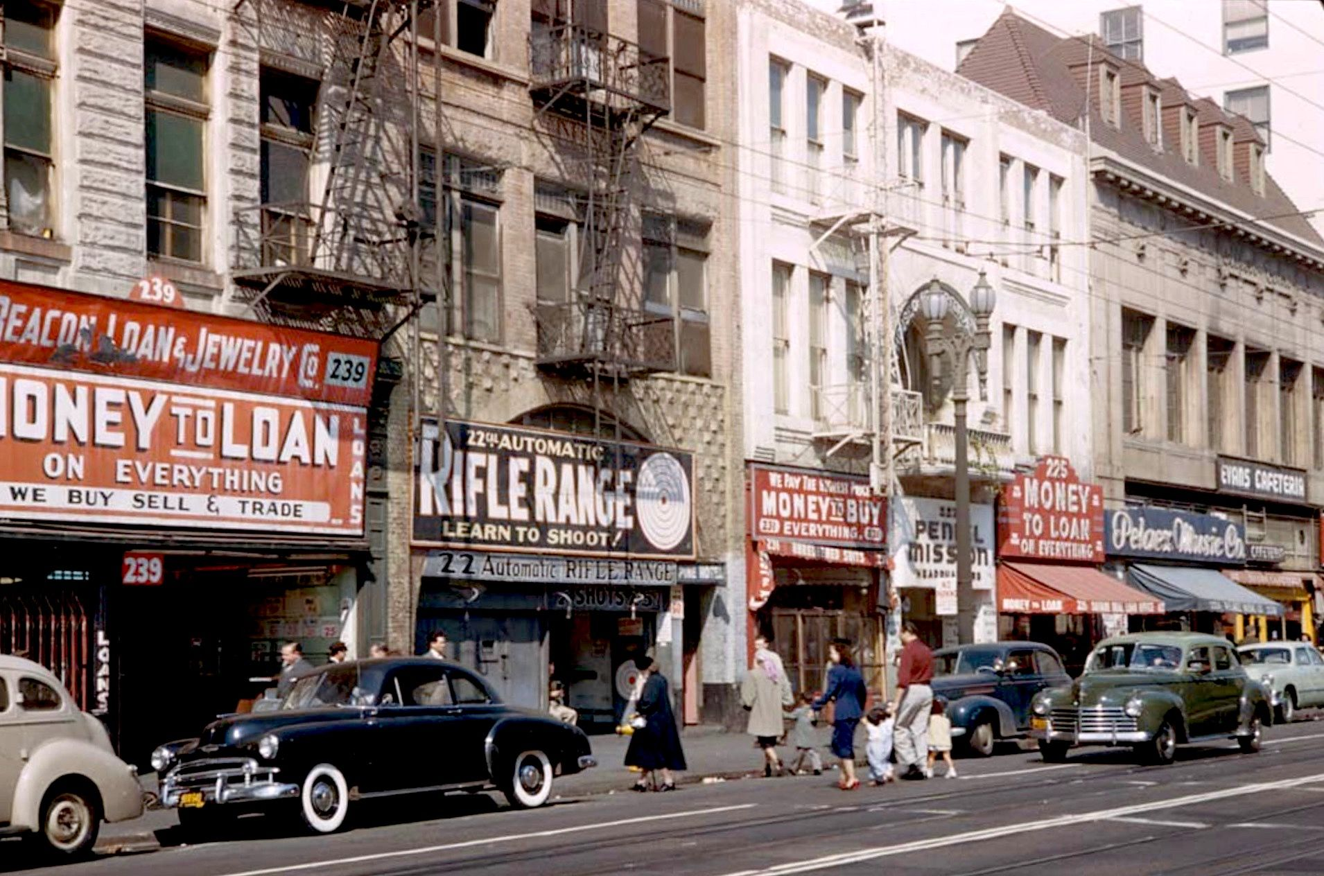 Life Goes On Along The 200 Block Of East Fifth Street Downtown Los Angeles Circa 1952 Vintage Los Angeles Los Angeles History Downtown Los Angeles