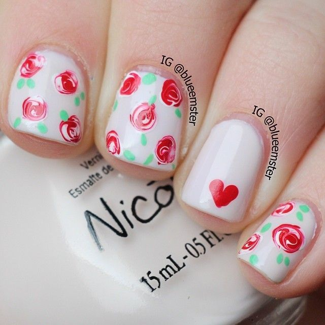 Unhas decoradas com flores | Manicure ideas, Manicure and Hair and ...