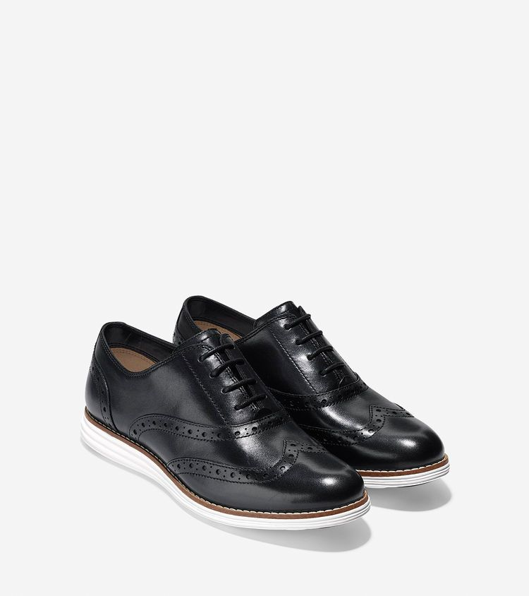 Women S Originalgrand Wingtip Oxford In Black Optic White Cole Haan Women Shoes Women Oxford Shoes Wingtip Oxford