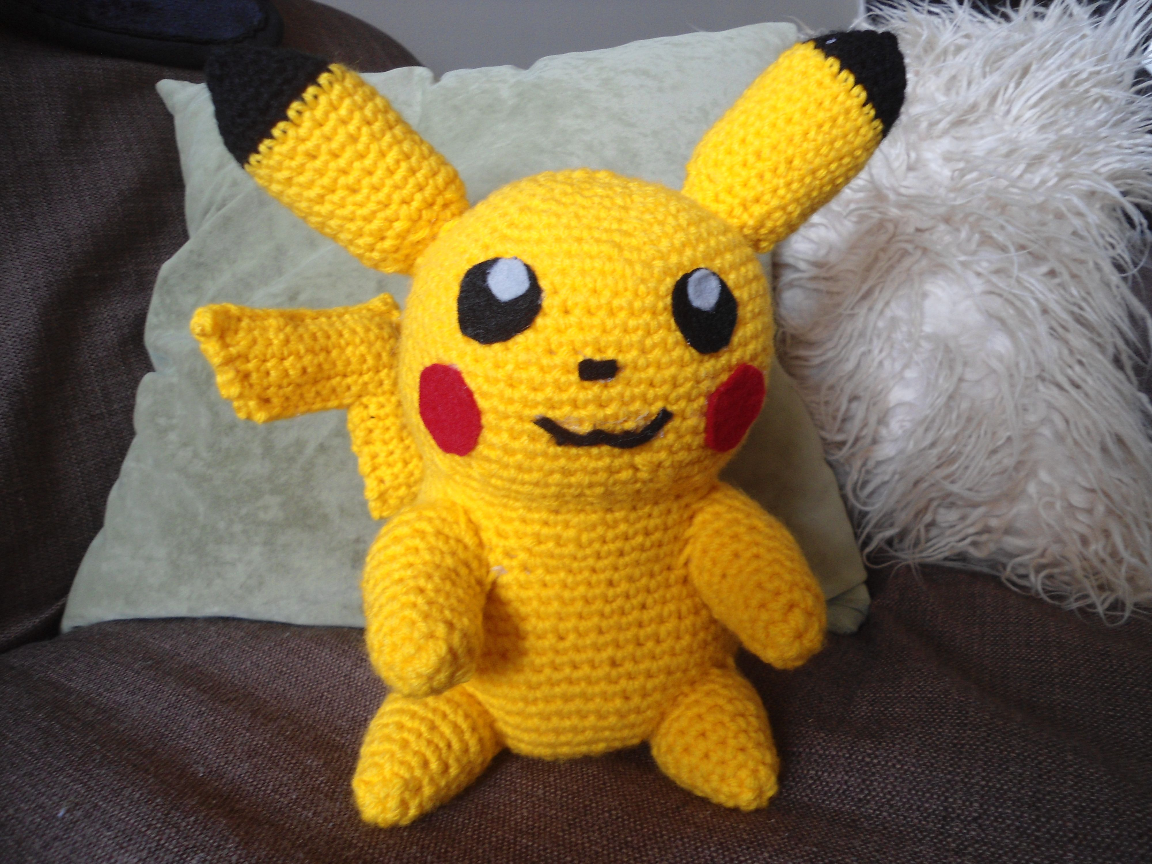 Amigurumi Patterns Pikachu : This pikachu is based on the pattern from sabrina's crochet website