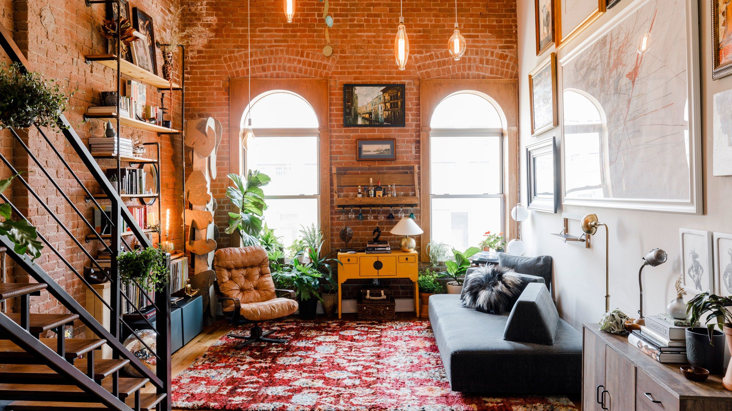 Timo Weiland S Brooklyn Apartment Is Always Dance Party Ready Loft Apartment Decorating Vintage Apartment Brooklyn Apartment