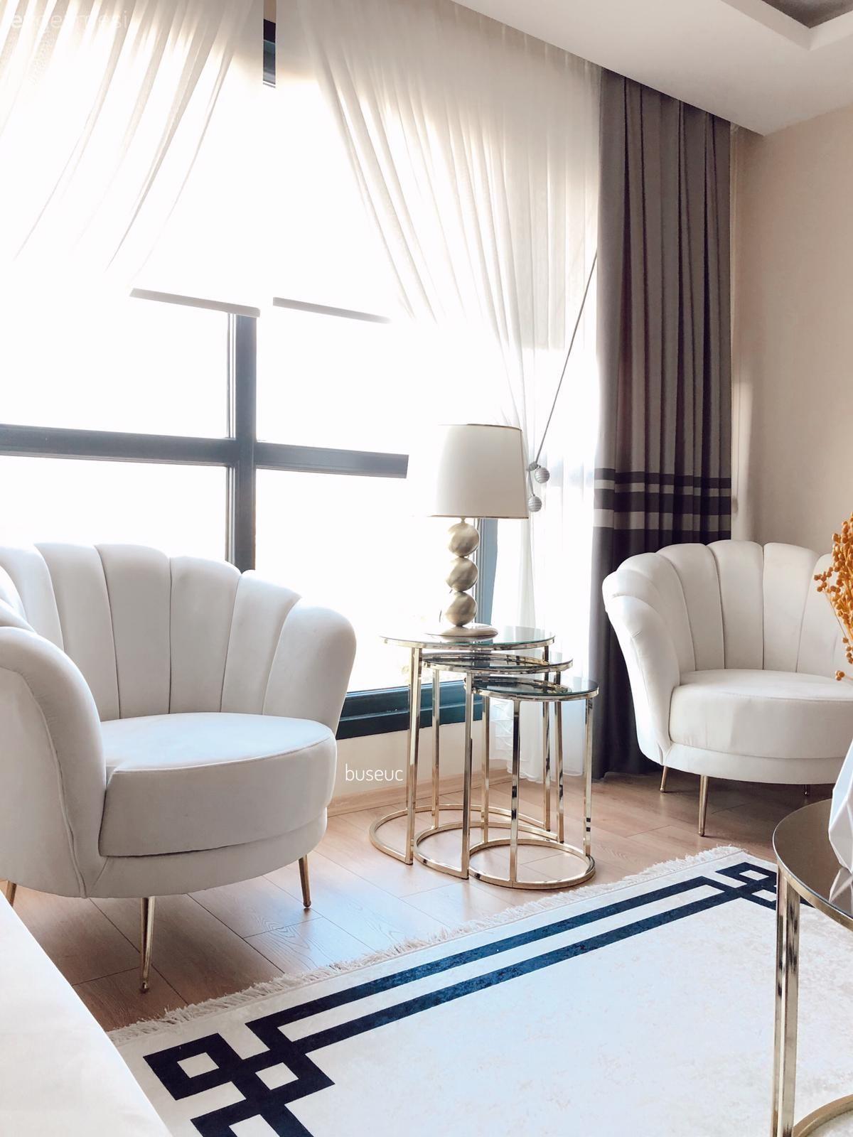 Beyazın Ferahlık Saçtığı Bu Evde Zarif Tasarımlar Her Köşede! | Ev Gezmesi