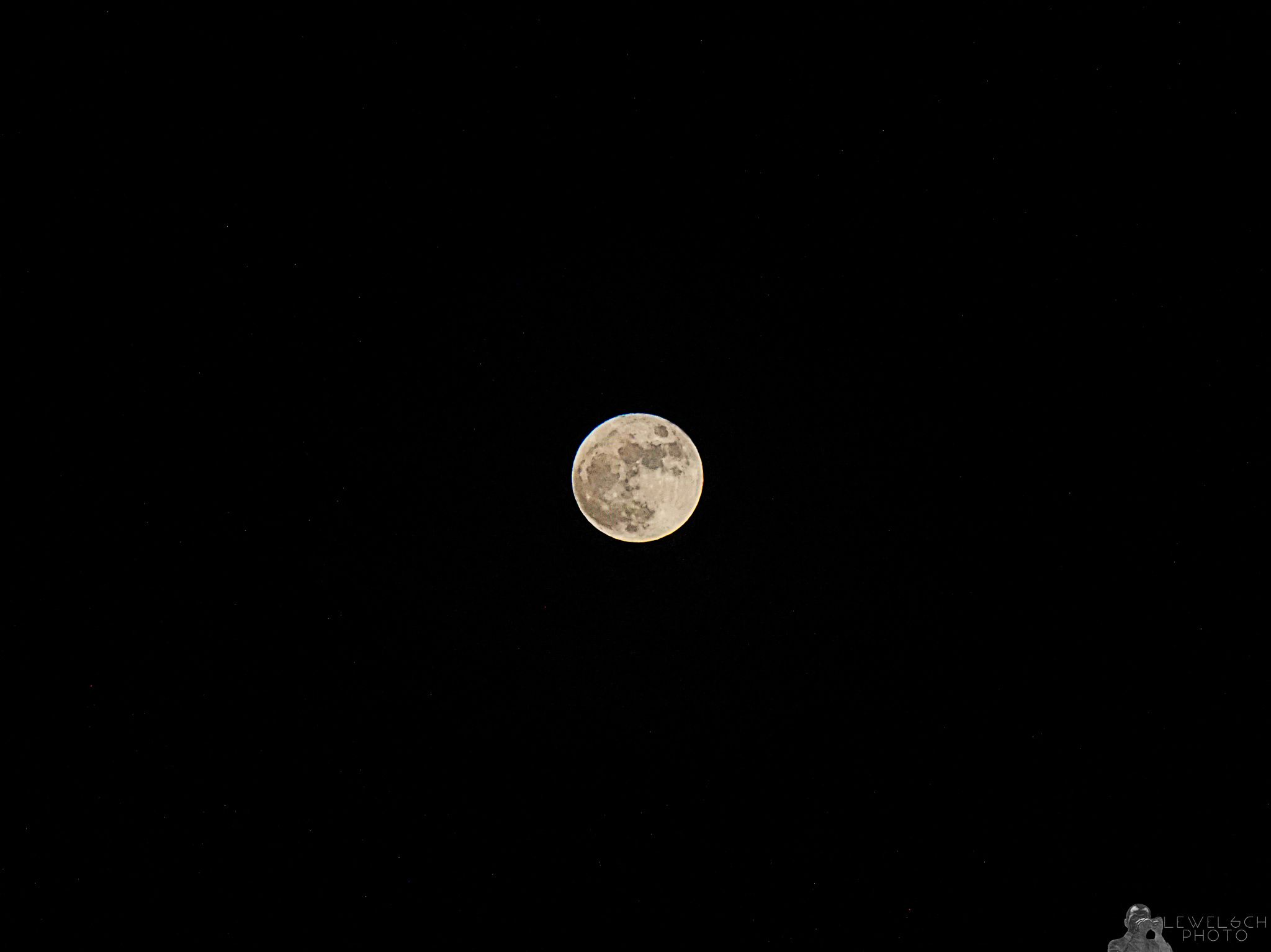Christmas Full Moon The last festive full moon was in 1977 and the ...