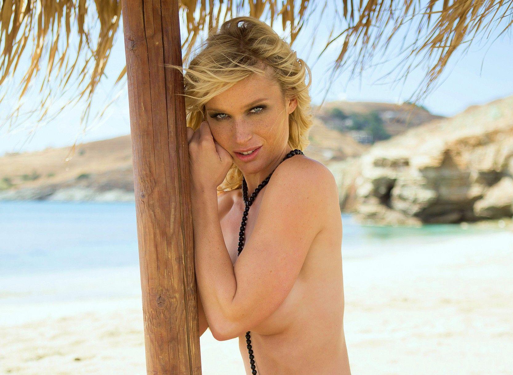 Video Ramona Bernhard nudes (48 foto and video), Topless, Leaked, Selfie, in bikini 2017