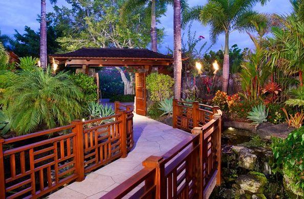 Beautiful Hawaii Gardens And Home Tour Http Thehawaiianhome Com Kailua Kona Big Island Hawaii Home Tour Hawa Hawaiian Homes Hawaii Homes Tropical Backyard
