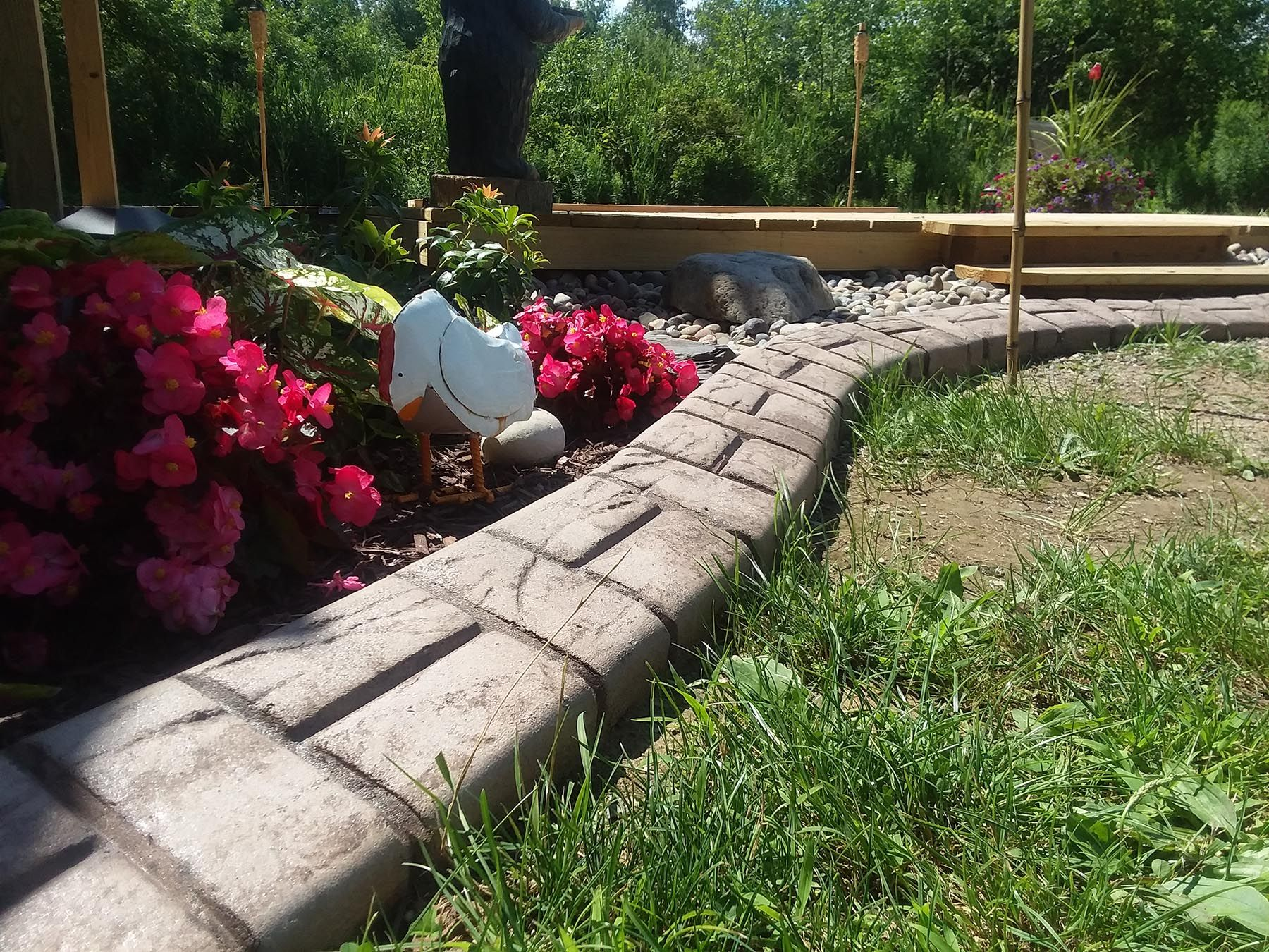 Gestanzte Beton Grün Release Farbe Garten