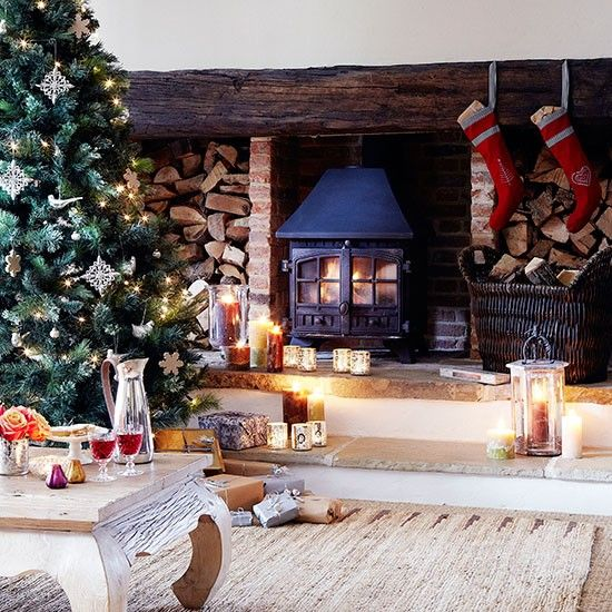 33 Best Christmas Country Living Room Decorating Ideas: Country Christmas Decorating Ideas