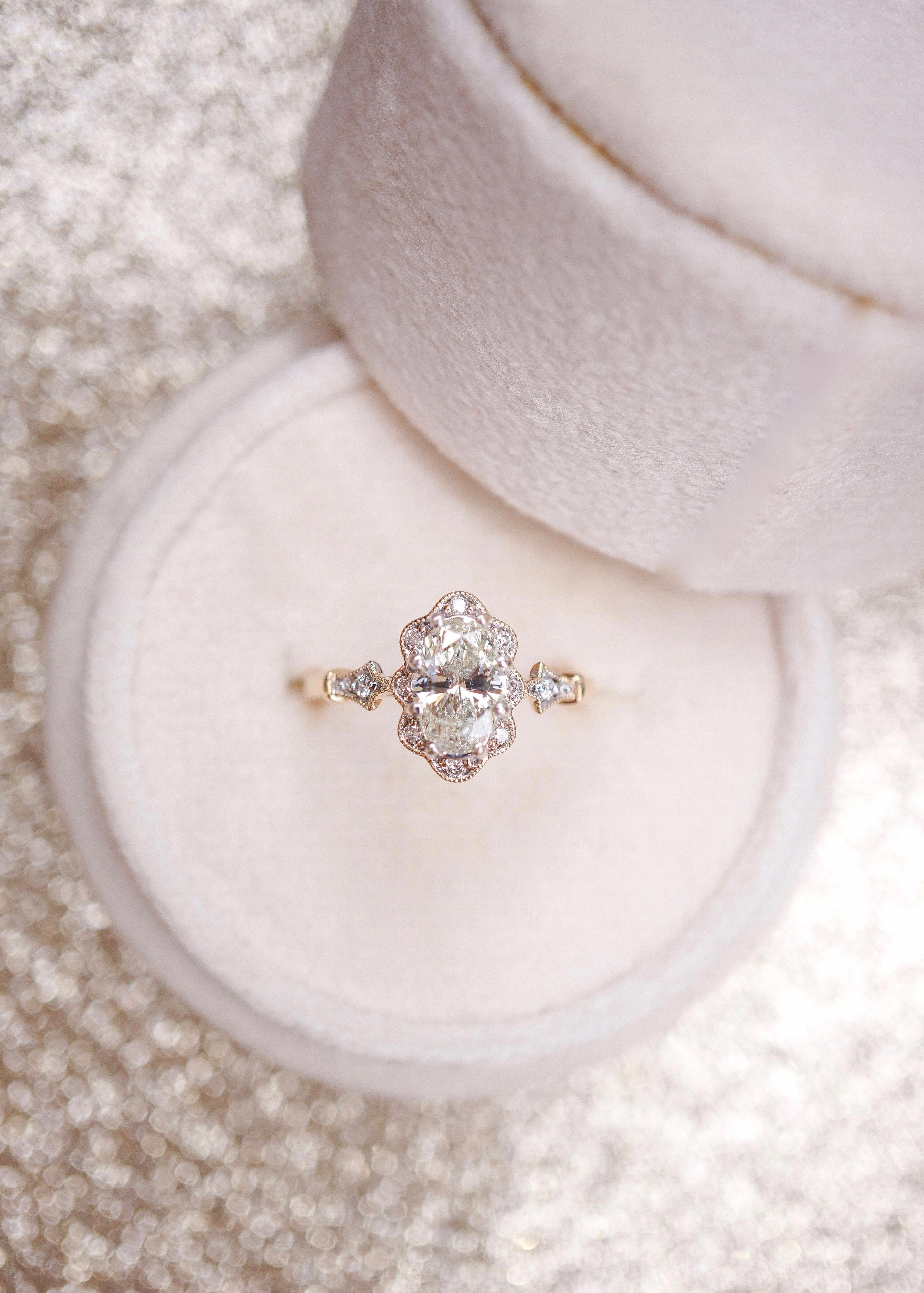 Gorgeous Halo Engagement Rings Haloengagementrings Oval Diamond