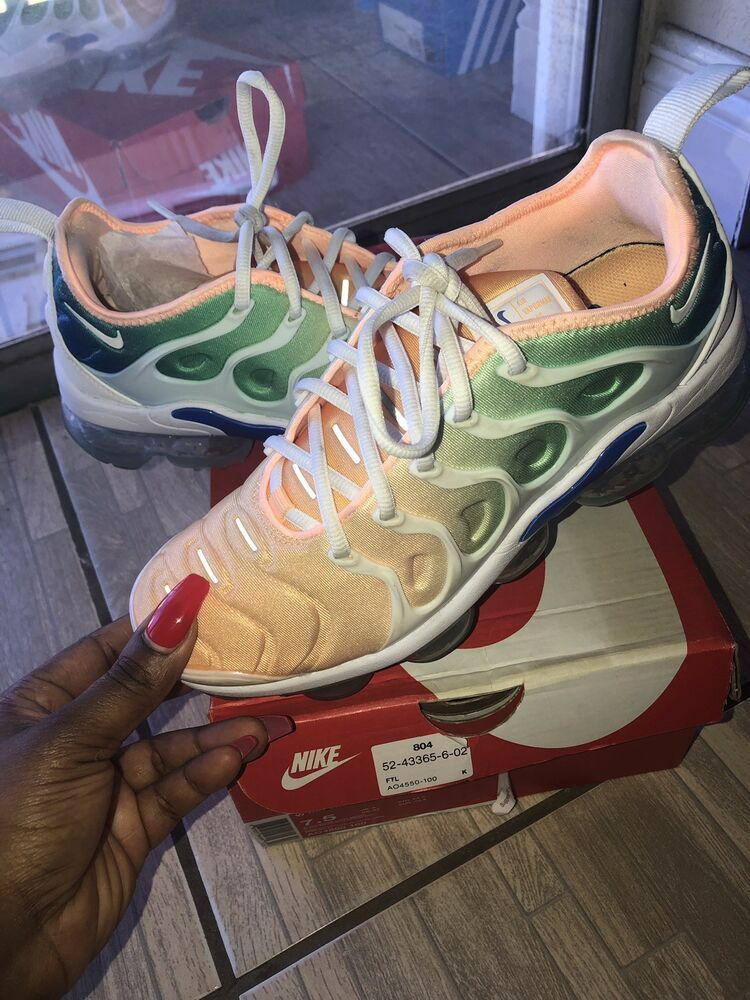 0e08b81aa8bbe Womens Nike air vapormax plus size 07.5 - Nike Airs (This is a link ...