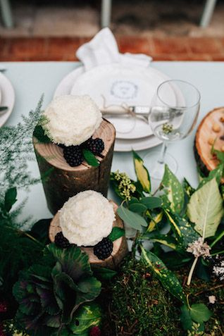 Natural centerpieces | Amy Lewin Photography | see more on:  http://burnettsboards.com/2015/01/botanical-beauty-greenhouse-wedding-editorial/