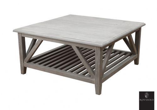 Røft og rustikt Country sofabord i resirkulert furu. Bordet har en stilig