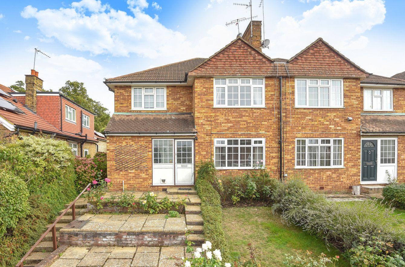 For Sale A spacious ground floor ideally