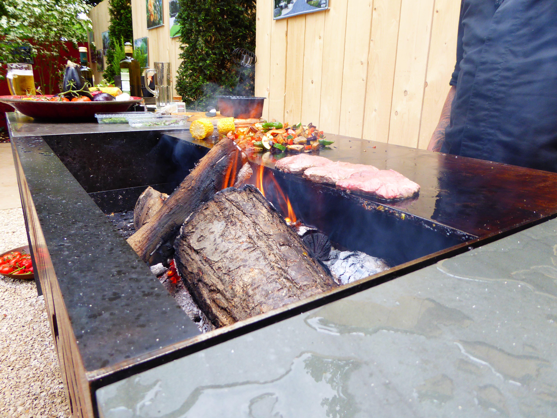 Individuelle Hochwertige Luxus Outdoor Kuchen Von Rheingrun Living Gartengrill Gartenkuche Mobel Design Aus Cortensta Outdoor Kuche Luxus Kuche Design Kuche