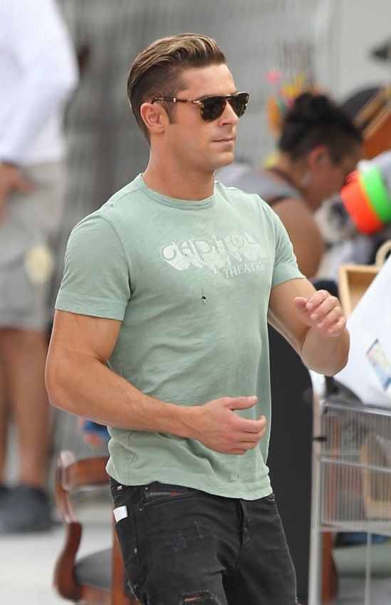 Vjbrendancom Zac Efron And The Rock On The Set Of Baywatch In