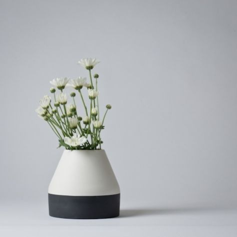 Ceramic flower vase by Nathalie Lahdenmaki