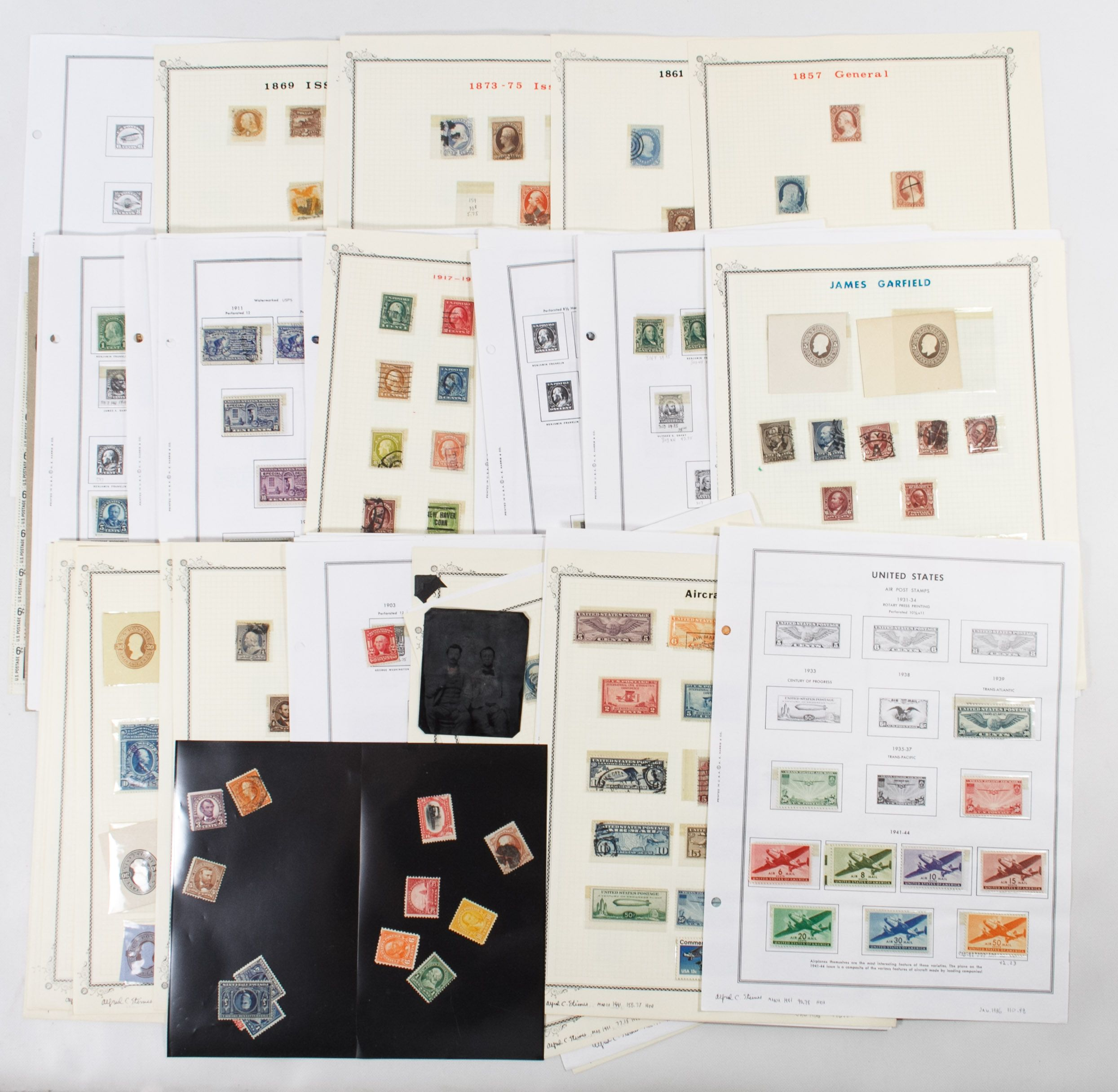 Lot 37: US and World Stamp Assortment