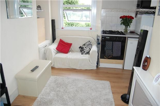 1 Bedroom Flat To Rent In Western Road, Romford RM1   27119119