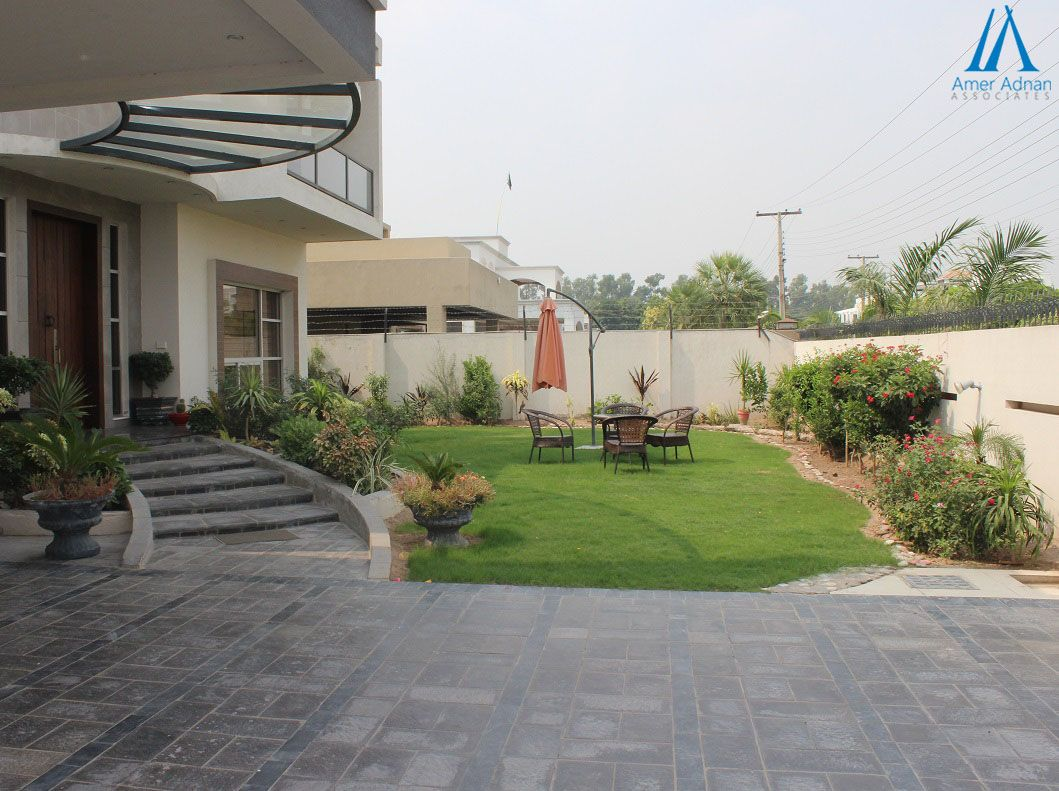 Beautiful Lawn And Home Entrance View Construction Work By Ameradnan Com Interior Design And Construction Best Interior Design House Entrance