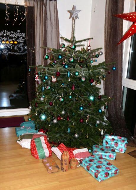 unser weihnachtsbaum geschm ckt in pink t rkis gr n die. Black Bedroom Furniture Sets. Home Design Ideas