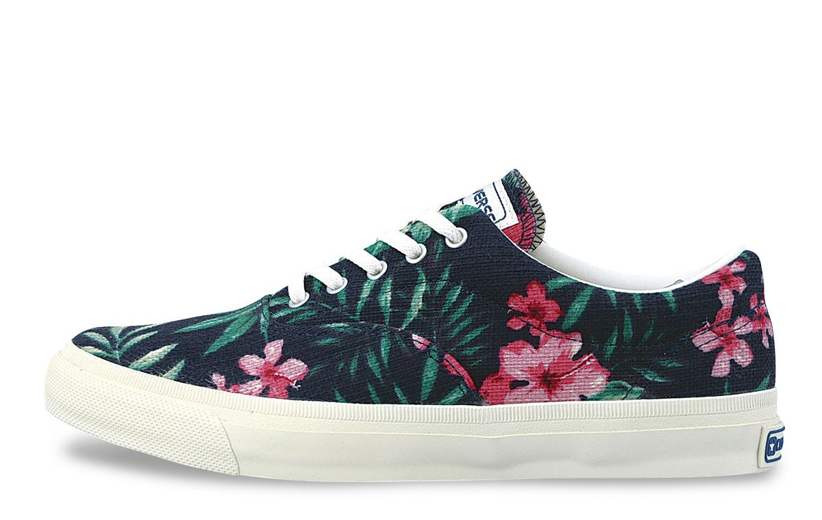 "CONVERSE - SKIDGRIP ""TROPICS"" - ¥6,900 JPY (approximately $70 USD)"