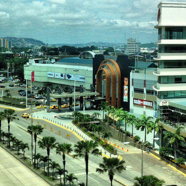 Mall del Sol.