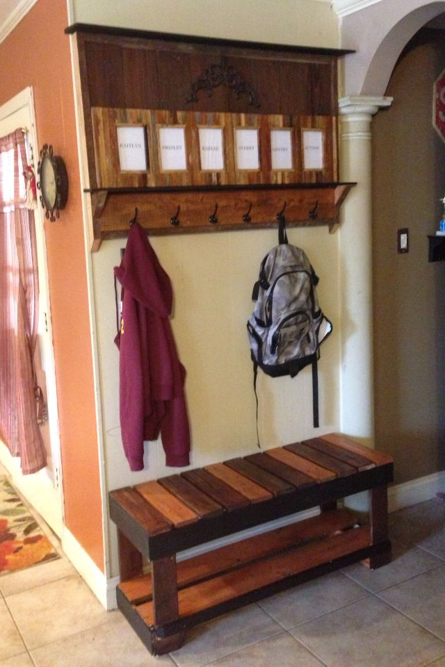 Pallet coat rack and bench jen bubba projects Mudroom bench and coat rack