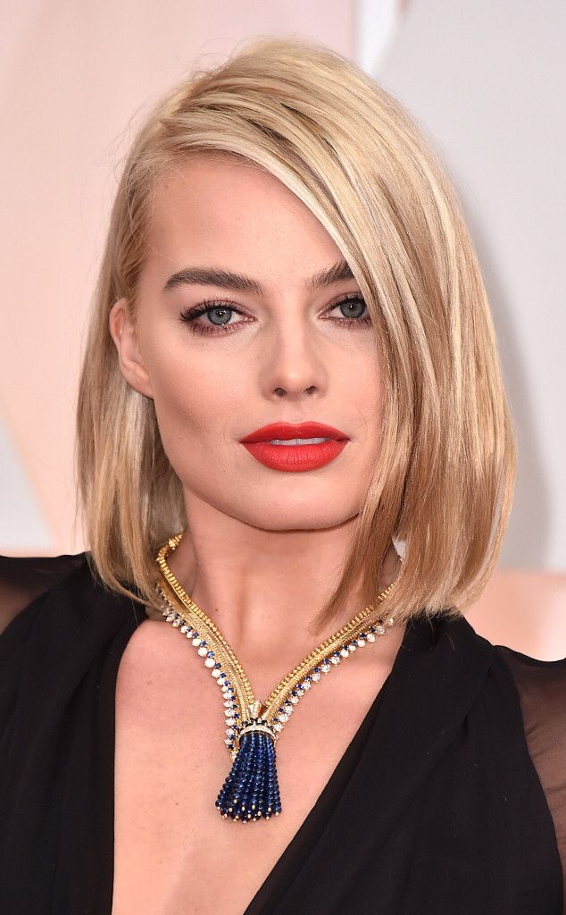 Image from http://www.eonline.com/eol_images/Entire_Site/2015122/rs_634x1024-150222200804-634.Margot-Robbie-Academy-Awards-Brauty.ms.022215.jpg.