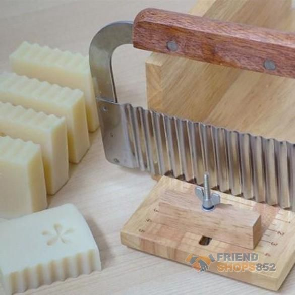 Hardwood Handle Crinkle Wax Vegetable Soap Cutter Stainless Steel Wavy Slicer