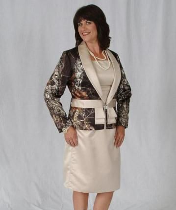 7f2e41ed63124 mother-bride-camo Bahahahahaha @Vicki Ott if I ever married Justin I want  to see you wear this! lmao!!!
