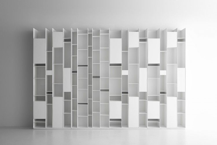 Random Is The Modular Bookcase That Enables To Develop Large Sized And Eye Catching Configurations Discover All Idee Scaffale Casa Minimalista Design Scaffali