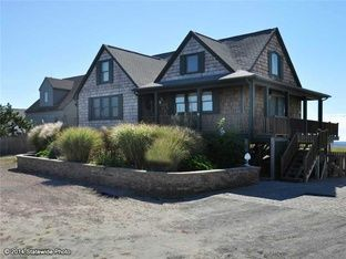 111 Atlantic Ave Westerly Ri 02891 Zillow House Styles Home Viking Appliances