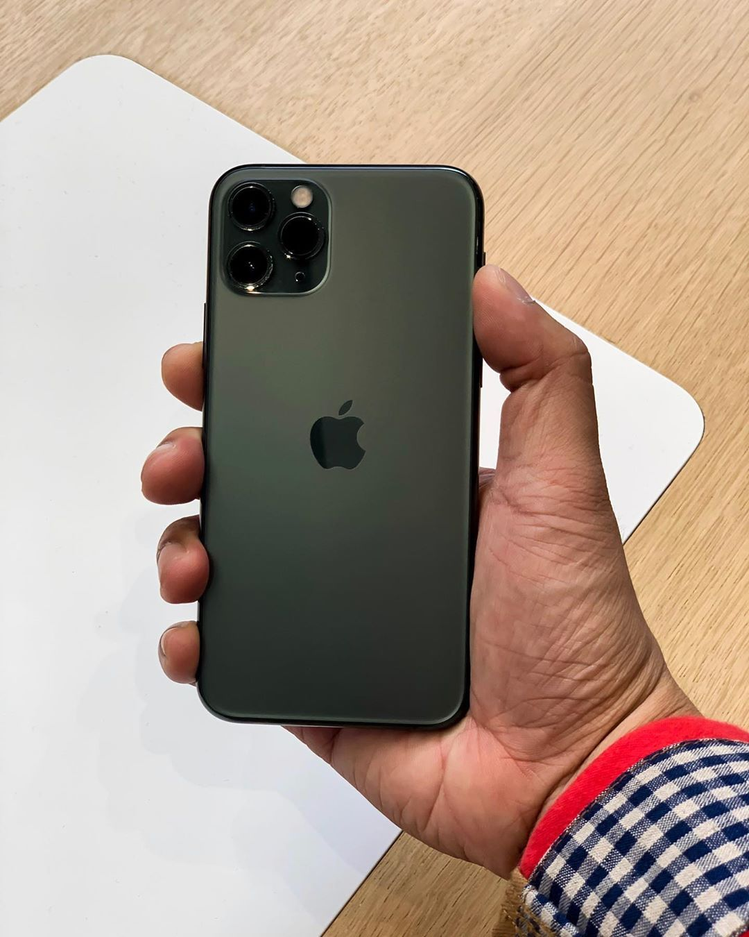 Iphone 11 Pro Max Iphone Iphone 11 Green