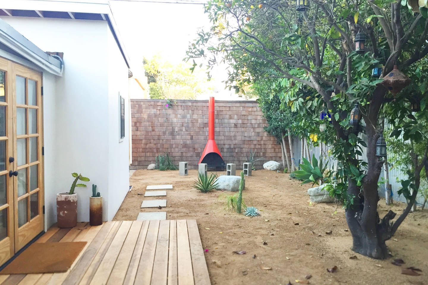 Tranquil Venice Beach Guest Cottage Vacation Rental In Los Angeles California View More Losangelescaliforniav Guest Cottage Vacation Rental Cottage Homes