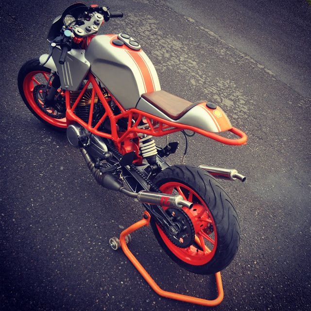 Yamaha RX135 Cafe Racer KTM Duke frame by Inline3 #motorcycles #caferacer #motos | caferacerpasion.com
