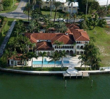 Miami E A Mansao Do Julio Iglesias Florida Casas Miami Casa De Celebridade Casa De Praia