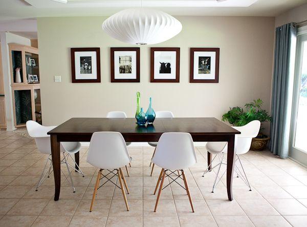 Tavolo eames ~ Sala de jantar decorada com cadeiras eames brancas sala de