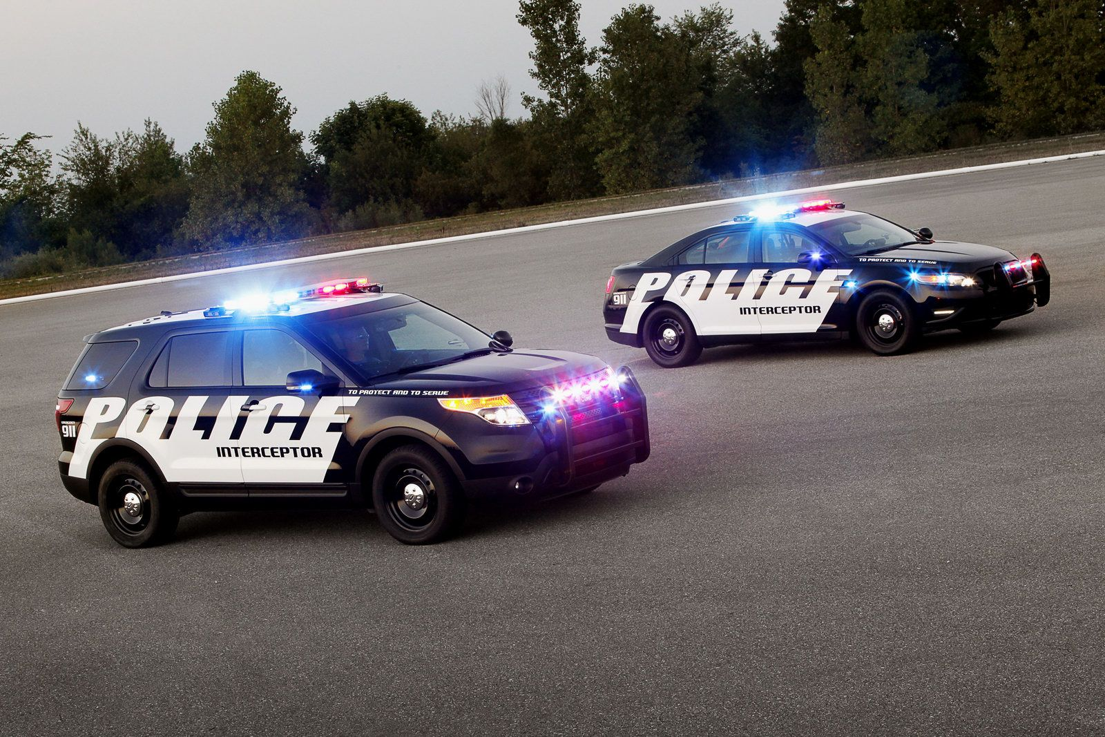 Ford Debuts 2011 Explorer Based Police Interceptor Utility In 2020 Police Cars Ford Police Police Truck