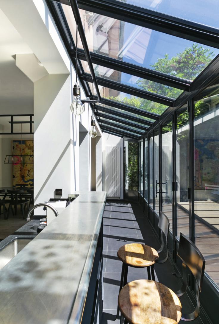Conservatory Room Addition In The Uk 1040x1485 In 2020: Reportage : Une Véranda Pour Agrandir Une Maison De Ville En 2020