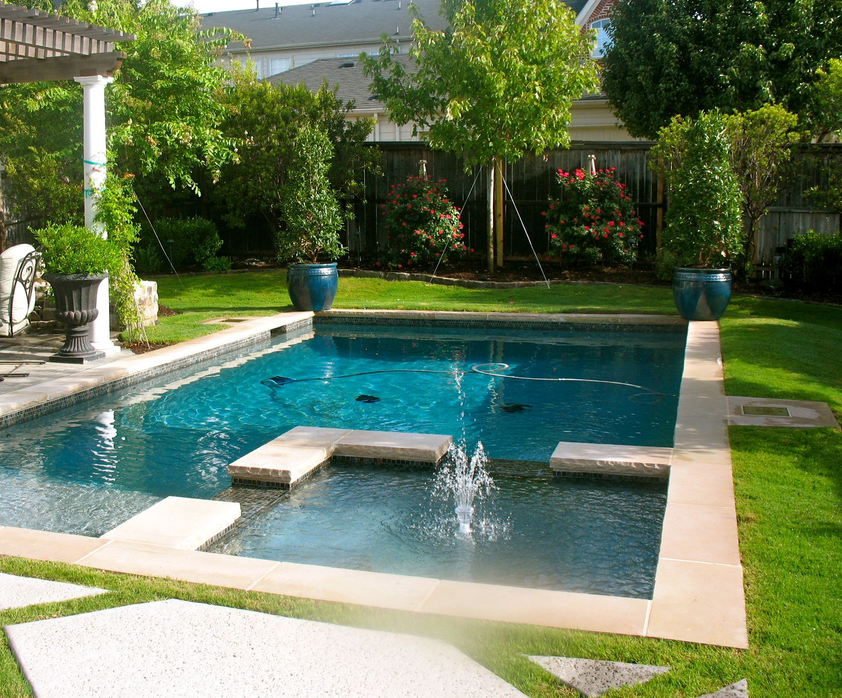 Beautiful Pool With A Jacuzzi Separated To The Side Pool Designs Beautiful Pools Backyard Pool