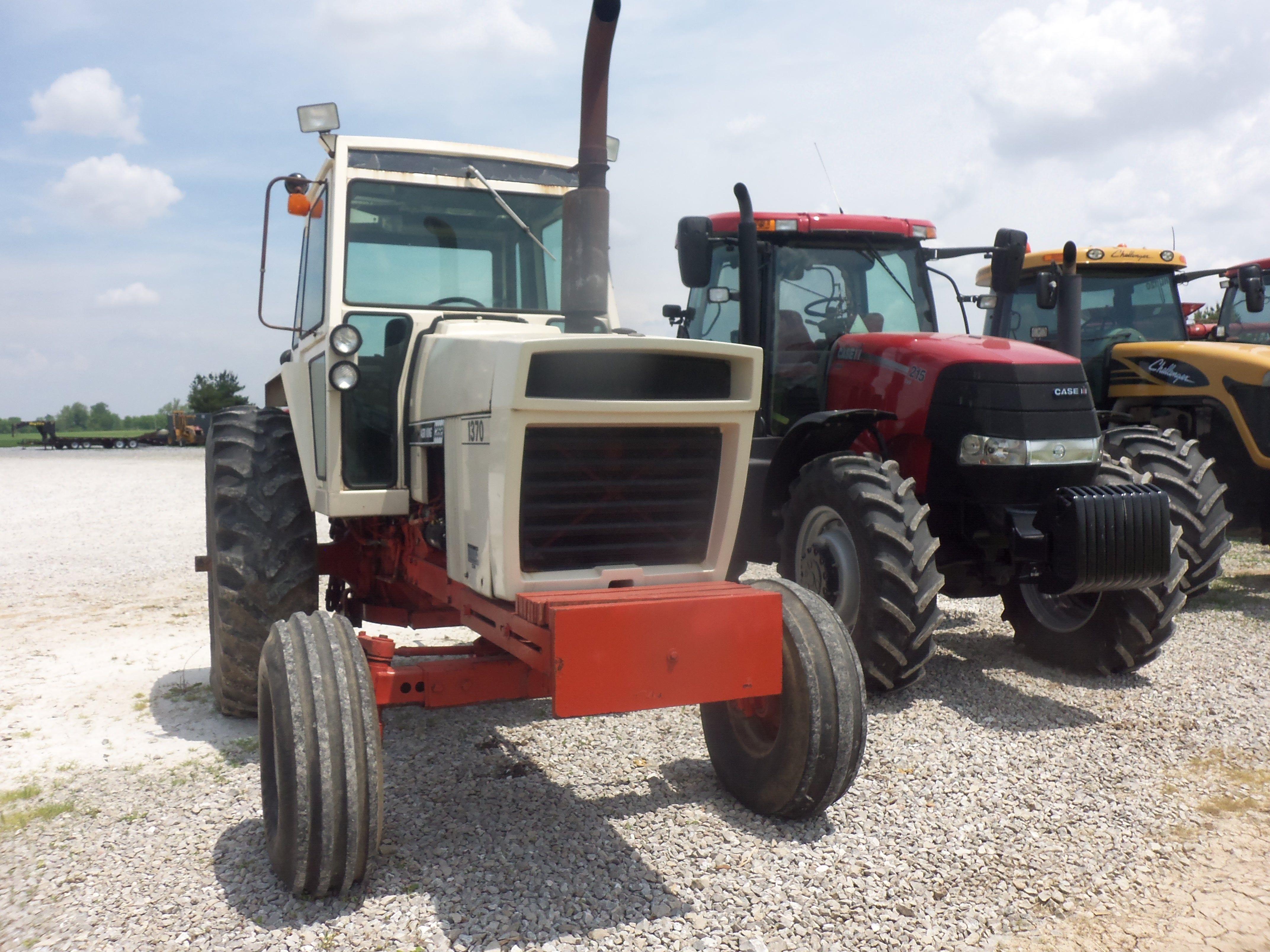 Case 1370 row crop tractor