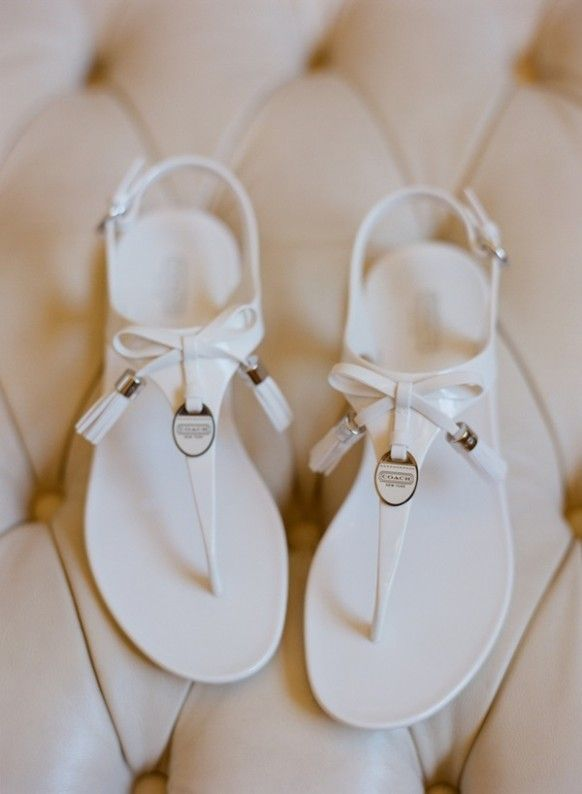 2014 white flat beach sandals, cute bow sandals.