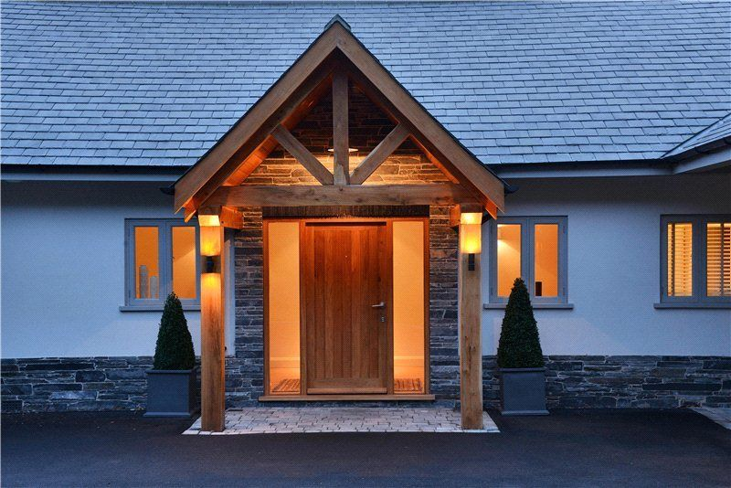 Oak Porch Lit Up At Night Google Search Modern Porch Porch Lighting House Styles