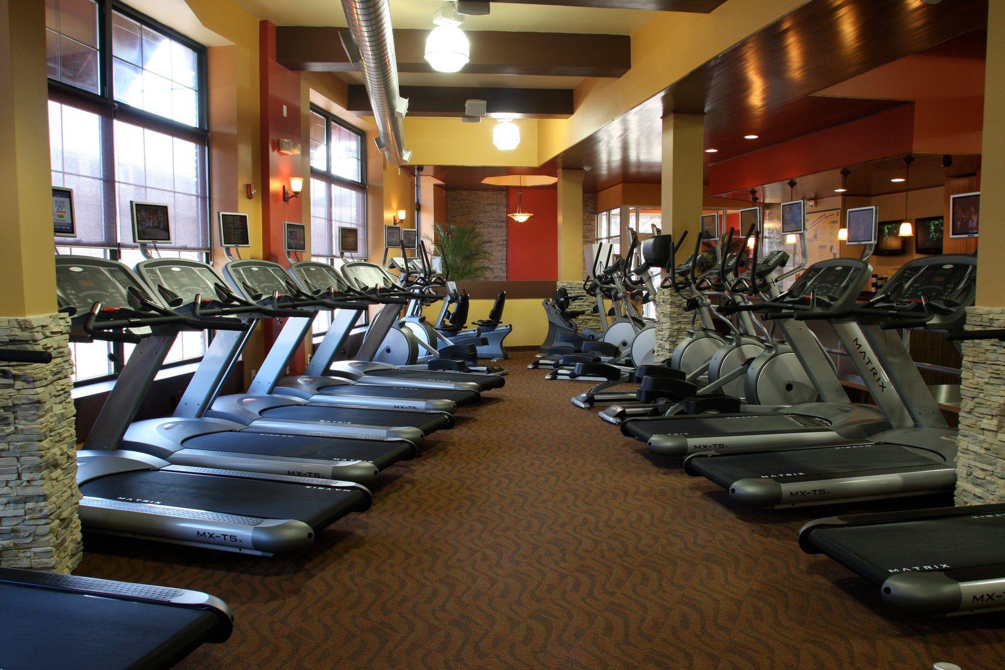 Gym Fitness Club Metro Usa Gym In Newark Nj Usa Gym Gym Reduce Weight