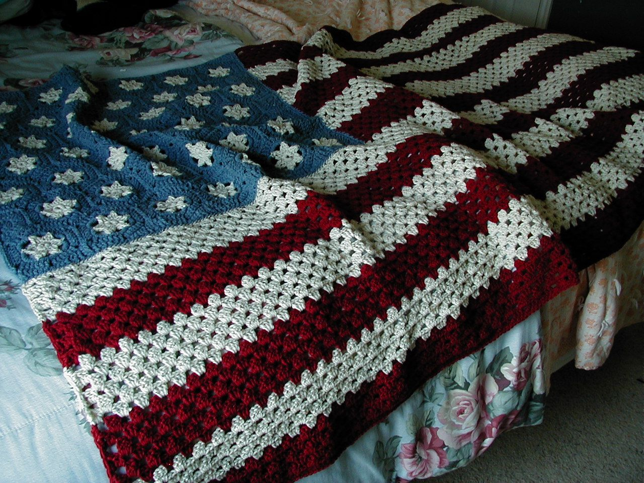American Flag Afghan. (usually I kinda hate patriotic stuff, but I ...